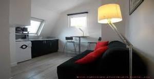 acheter une studette ou une petite chambre de bonne paris 9 14 m est ce toujours. Black Bedroom Furniture Sets. Home Design Ideas